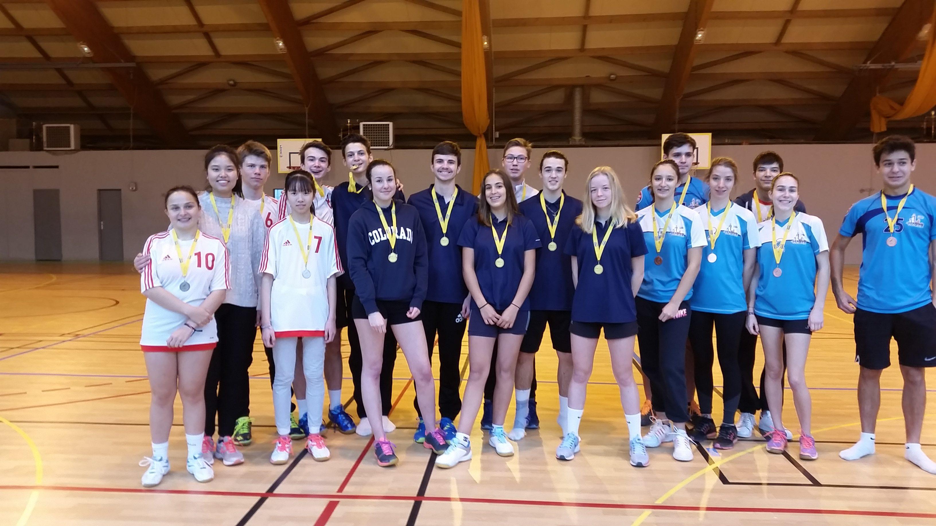 Podium du championnat d'Académie de Badminton -1er le lycée Henri Matisse